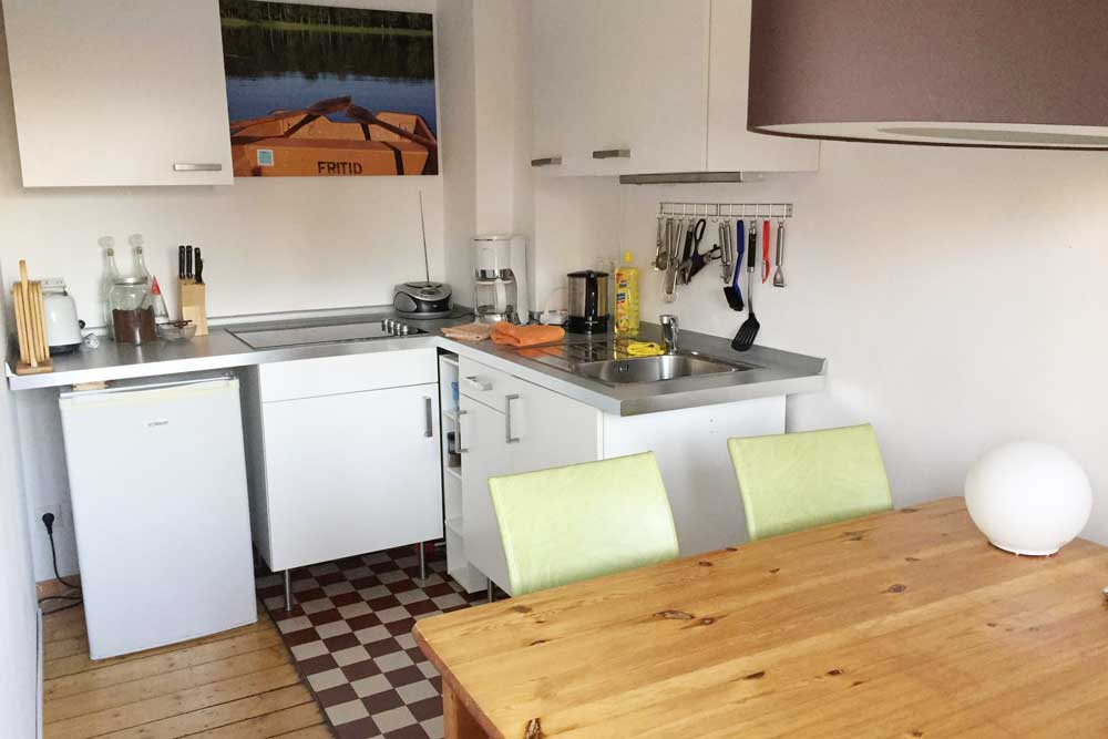 bed breakfast hamburg. Black Bedroom Furniture Sets. Home Design Ideas